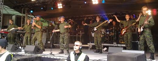 Katonák énekelnek
